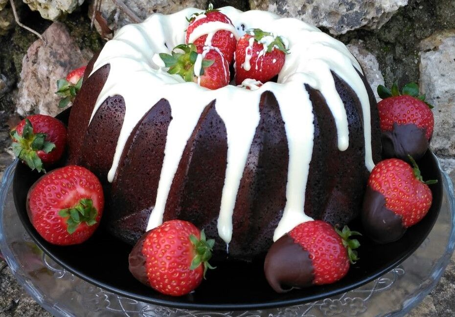 bundtcake-chocolate-y-fresas